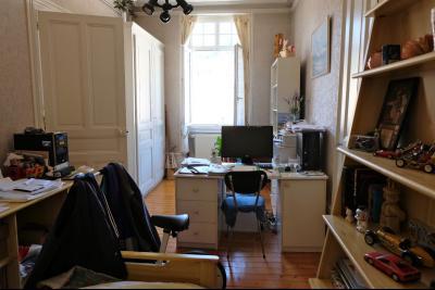 SAINT-CLAUDE (39 - JURA), VENDS IMMEUBLE DE RAPPORT - BON RENDEMENT, SPECIAL INVESTISSEURS, Séjour