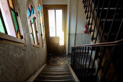 SAINT-CLAUDE (39 - JURA), VENDS IMMEUBLE DE RAPPORT - BON RENDEMENT, SPECIAL INVESTISSEURS, arrière bâtiment