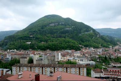 VENTE : SAINT-CLAUDE (39), RUE BEAUREGARD, A VENDRE APPARTEMENT T3 DE 58 M2., Vue balcon