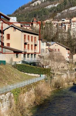 SAINT-CLAUDE (39-JURA), A VENDRE MAISON DE VILLE DE 120 m2 PROCHE CENTRE VILLE, VUE SEJOUR