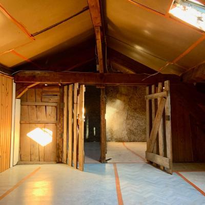 SAINT-CLAUDE (39-JURA), A VENDRE MAISON DE VILLE DE 120 m2 PROCHE CENTRE VILLE, SALLE DE DOUCHE