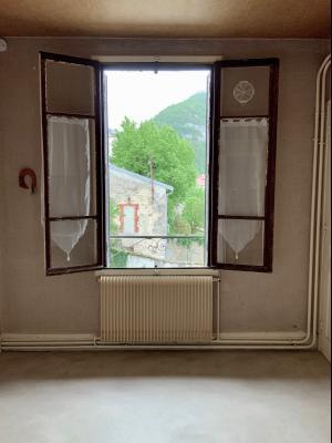 SAINT-CLAUDE (39200), vends LOT DE 2 logements en CENTRE VILLE.,