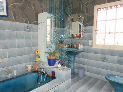 LOUHANS (71), maison à vendre de 158 m² proche commerces, quatre chambres, terrain 980 m²., SALLE DE BAIN