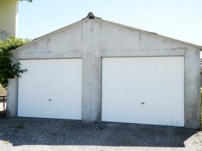 Vente LOUHANS (71), SPECIAL INVESTISSEURS : IMMEUBLE 4 logements LOUES + 2 garages, GARAGES