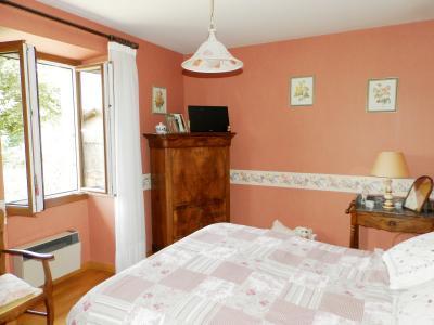 Vente proche POLIGNY (39800), maison familiale en pierre, 2 logements, terrain 1880 m², CHAMBRE 13 m²