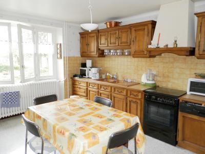 Vente proche POLIGNY (39800), maison familiale en pierre, 2 logements, terrain 1880 m², CUISINE EQUIPEE Logement 2