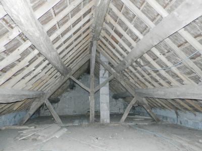 Vente proche LONS LE SAUNIER et LOUHANS (71), maison plain-pied 74.70 m², terrain env. 3500 m², COMBLES