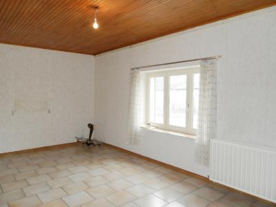 Vente proche LONS LE SAUNIER et LOUHANS (71), maison plain-pied 74.70 m², terrain env. 3500 m², SEJOUR 20.50 m²