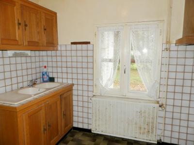 Vente proche LONS LE SAUNIER et LOUHANS (71), maison plain-pied 74.70 m², terrain env. 3500 m², CUISINE AMENAGEE 7.30 m²
