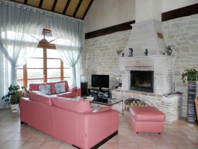 Vente proche Lons le Saunier (39) et LOUHANS (71), maison de caractère 157 m² sur terrain 2400 m², SALON / SEJOUR 44 m²