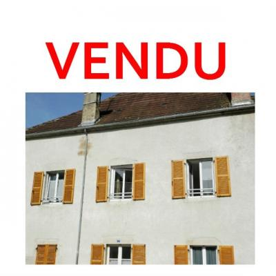 Vente secteur SELLIERES (39), lot de 2 appartements T2 et T3 + studio,