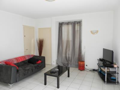 Vente secteur SELLIERES (39), lot de 2 appartements T2 et T3 + studio, Logement T2 RDC, 56 m²