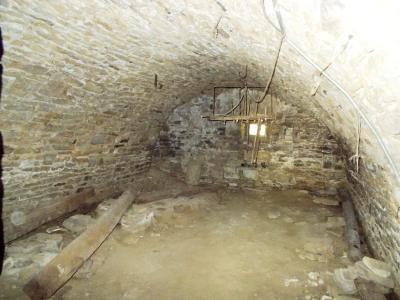 Vente VOITEUR (39210), maison en pierre à rénover 145 m² environ, sur terrain 1181 m², CAVEAU 23 m²