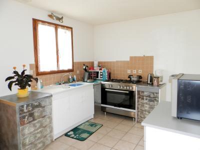 Vente LOUHANS (71500), maison de plain-pied (2003), 92 m², 4 chambres, terrain 1620 m², CUISINE