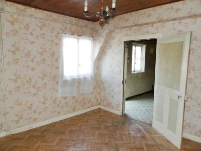Vente LOUHANS (71), ferme-manoir 16ième siècle, de 215 m² env. sur terrain 6736 m², PIECE 13 m²
