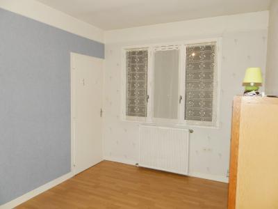 Vente proche BLETTERANS (39), maison de 100 m² + garage,  sur terrain 991 m², CHAMBRE 11.80 m²