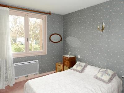 Vente LONS LE SAUNIER (39), maison de 110 m² environ, trois chambres, sur terrain de 1547 m², CHAMBRE (1) 13.45 m²