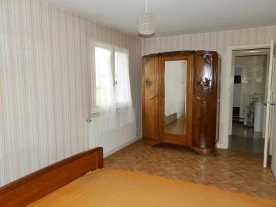 LOUHANS (71500), à vendre maison de plain-pied 110 m² environ, sur terrain plat 8618 m²., CHAMBRE 14.50 m²