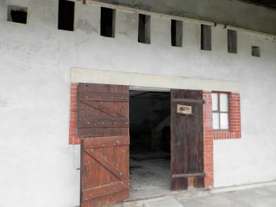 LOUHANS (71500), à vendre maison de plain-pied 110 m² environ, sur terrain plat 8618 m²., ENTREE ECURIES