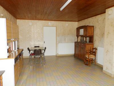 LOUHANS (71500), à vendre maison de plain-pied 110 m² environ, sur terrain plat 8618 m²., CUISINE SEJOUR 26 m²