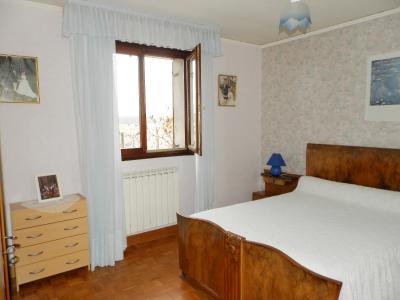 Vente proche BLETTERANS (39), maison individuelle 120 m² env., trois chambres, sur terrain 988 m², CHAMBRE 14.40 m²