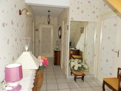 Vente proche BLETTERANS (39), maison individuelle 120 m² env., trois chambres, sur terrain 988 m², DEGAGEMENT