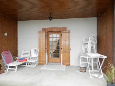 Vente proche BLETTERANS (39), maison individuelle 120 m² env., trois chambres, sur terrain 988 m², TERRASSE COUVERTE (Est)