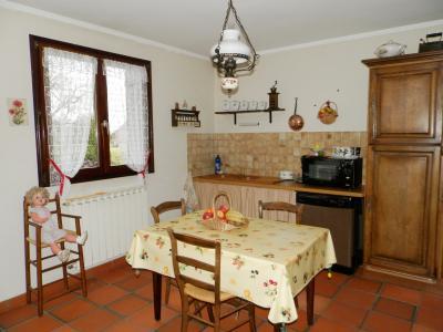 Vente proche BLETTERANS (39), maison individuelle 120 m² env., trois chambres, sur terrain 988 m², CUISINE EQUIPEE 15 m²