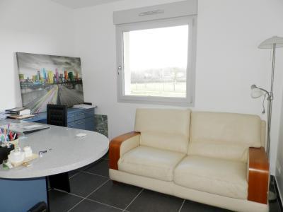 Vente LONS LE SAUNIER Nord (39), maison récente (2013), plain-pied 105 m² env. sur terrain 964 m², CHAMBRE OU BUREAU 11 m²