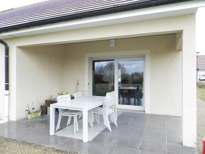Vente LONS LE SAUNIER Nord (39), maison récente (2013), plain-pied 105 m² env. sur terrain 964 m², TERRASSE COUVERTE (ouest)