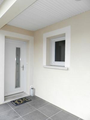 Vente LONS LE SAUNIER Nord (39), maison récente (2013), plain-pied 105 m² env. sur terrain 964 m², ENTREE ABRITEE
