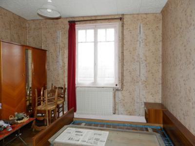 SAINT GERMAIN DU BOIS (71), maison de plain-pied à rénover environ 90 m², terrain 2700 m² environ, CHAMBRE 15 m²