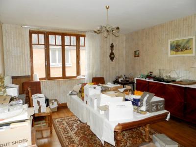 SAINT GERMAIN DU BOIS (71), maison de plain-pied à rénover environ 90 m², terrain 2700 m² environ, SEJOUR 22 m²