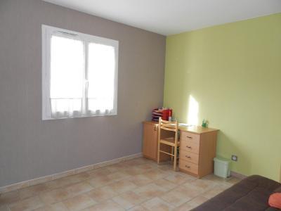 Vente secteur BLETTERANS (39), maison récente (2009) 130 m², 4 chambres, terrain 1155 m², CHAMBRE REZ DE CHAUSSEE