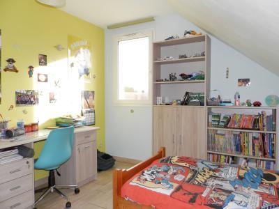 Vente secteur BLETTERANS (39), maison récente (2009) 130 m², 4 chambres, terrain 1155 m², CHAMBRE ETAGE