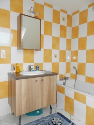 Vente secteur BLETTERANS (39), maison récente (2009) 130 m², 4 chambres, terrain 1155 m², SALLE DE BAINS ETAGE