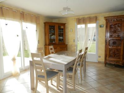 Vente secteur BLETTERANS (39), maison récente (2009) 130 m², 4 chambres, terrain 1155 m², SEJOUR 35 m²