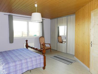 Secteur plaine JURASSIENNE (39), vends maison plain-pied 190 m² env., terrain 13580 m², SUITE PARENTALE 31 m²