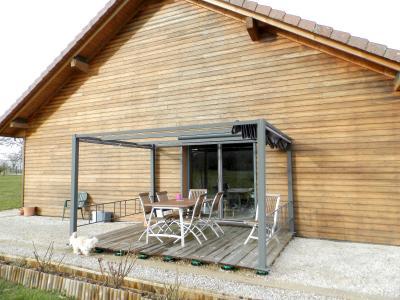 Secteur plaine JURASSIENNE (39), vends maison plain-pied 190 m² env., terrain 13580 m², TERRASSE SUD