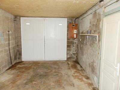 BLETTERANS (39) centre-ville, à vendre maison de ville 95 m², trois chambres, garage., GARAGE 18 m²