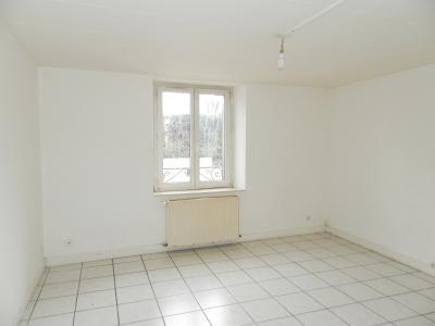 BLETTERANS (39) centre-ville, à vendre maison de ville 95 m², trois chambres, garage., SEJOUR 15.80 m²