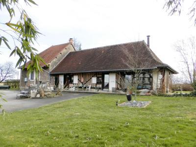 Vente BLETTERANS (39), ferme rénovée de 150 m² sans voisinage proche, terrain 25694 m², CAVE 45 m²