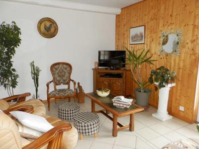 LOUHANS (71), vends ensemble immobilier sur terrain 20 hectares bio libres de droits, SALON / SEJOUR 36 m²