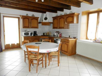 LOUHANS (71), vends ensemble immobilier sur terrain 20 hectares bio libres de droits, CUISINE EQUIPEE 25 m²