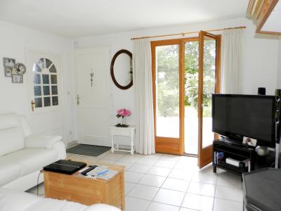 Proche LOUHANS (71), à vendre maison familiale (2001) de 150 m², terrain 6054 m²., PIECE DE VIE 40 m²