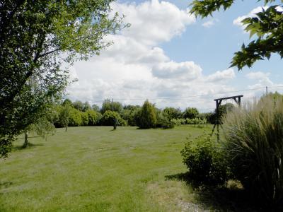 Proche LOUHANS (71), à vendre maison familiale (2001) de 150 m², terrain 6054 m²., ABRIS