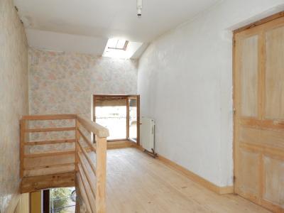 Vente MONTAIGU (39570), maison de village en pierre 127 m², jardin non attenant 522 m², MEZZANINE 10 m²