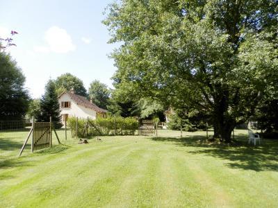 Vente MERVANS (71), ferme rénovée 138 m² + dépendances, terrain 22399 m², située au calme, VUE TERRAIN 22 399 m²