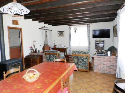 BELLEVESVRE (71), à vendre maison plain-pied 136 m², cinq chambres, deux garages, terrain 14800 m²., PIECE DE VIE 35 m²