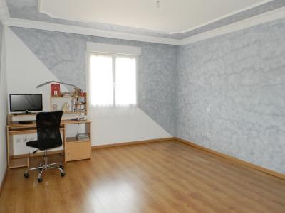 SAINT-GERMAIN-DU-BOIS (71), à vendre maison contemporaine plain-pied 180 m², terrain 5935 m², CHAMBRE 17.20 m²